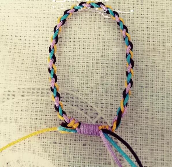 四股辫手绳编法固)�_好看又好学的四股辫手绳编法,你值得拥有!