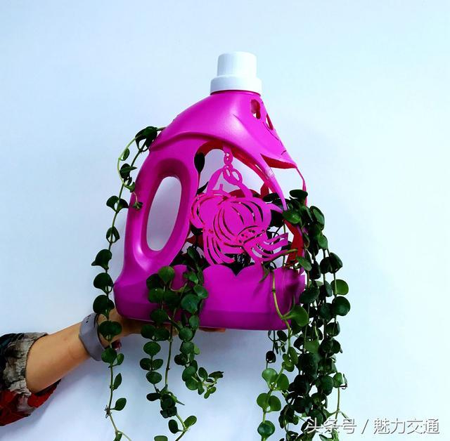 废话利用手工制作洗衣液瓶制作花瓶完成效果图图片
